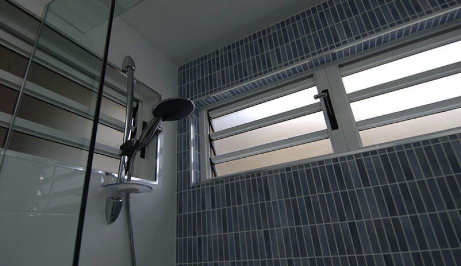 Alderley Residence Louvres shower room
