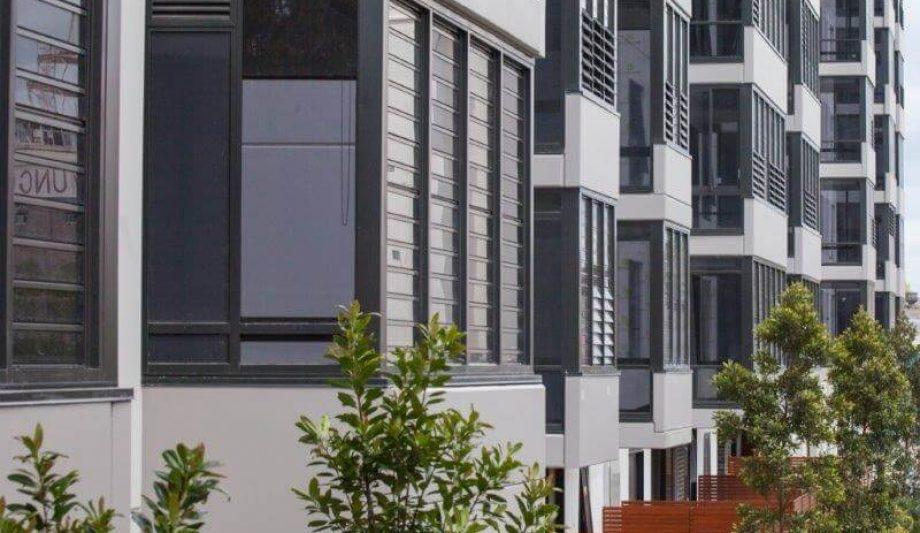 Meriton Luna Apartments Lewisham windows close up 3